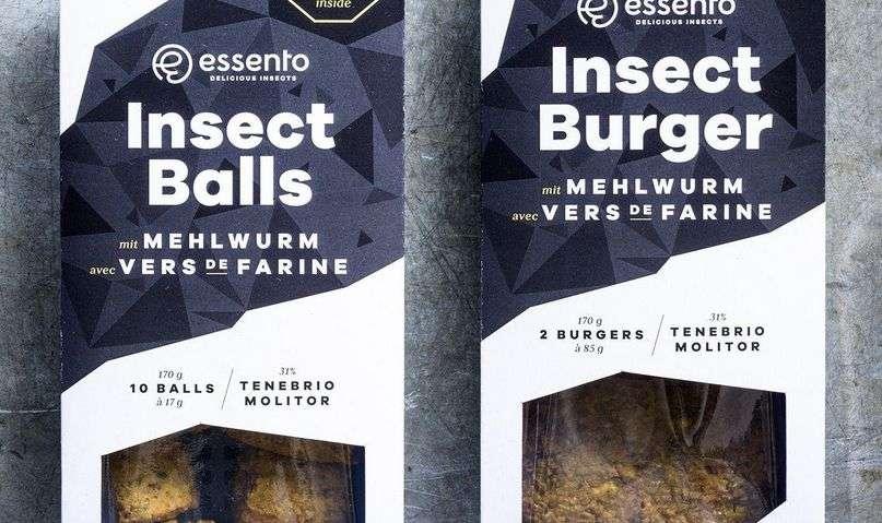 Фалафель та бургер з комах. Дві упаковки коштують приблизно $9 США.
