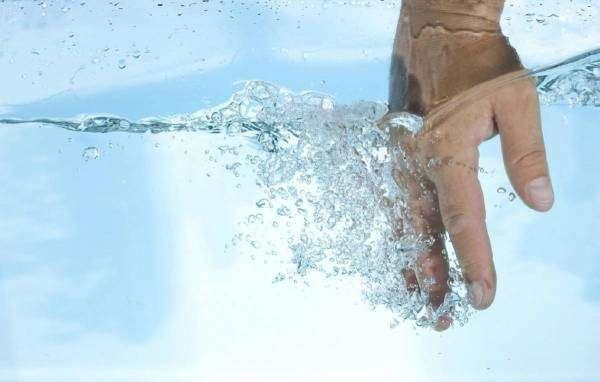 Чи може вода викликати алергію?