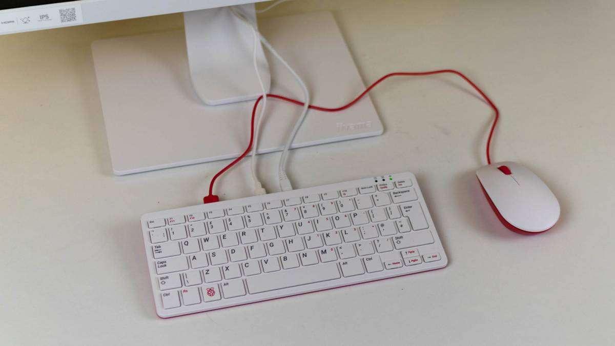 Комп'ютер у клавіатурі: новий Raspberry Pi 400 вже у продажу