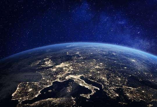 Технології Чому міста витрачають енергію на освітлення космосу? дослідження космос стаття