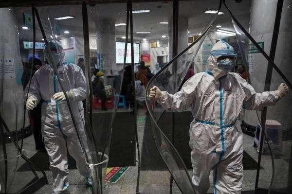 Епідеміолог: пандемія закінчиться і нас очікують «ревучі двадцяті»