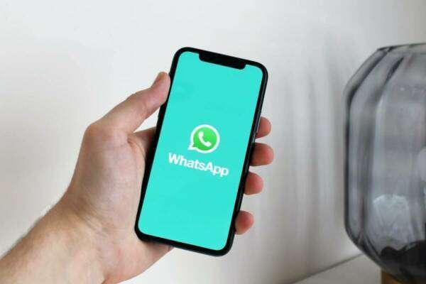 WhatsApp ділитиметься приватними даними користувачів із Facebook