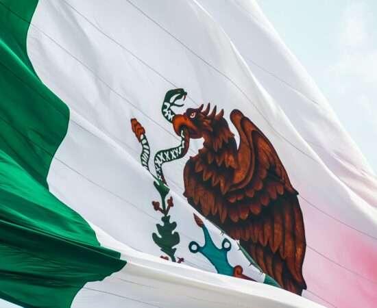 Технології У Мексиці можуть ввести обов'язкову реєстрацію власників смартфонів безпека мексика новина смартфони у світі