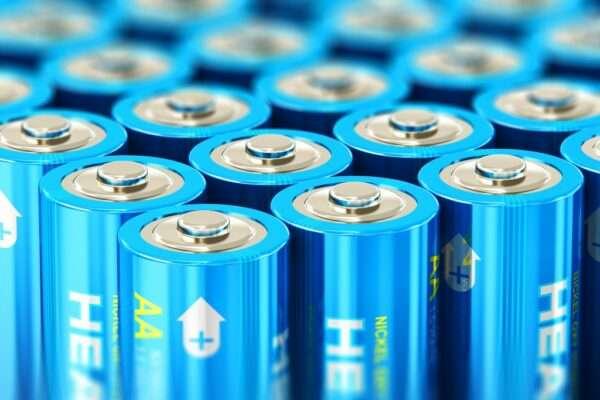 За 30 років літієві батареї подешевшали на 98%