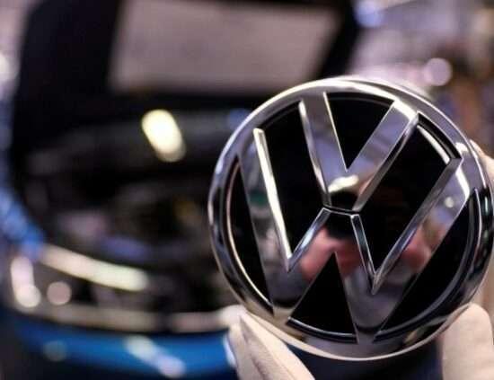 Інтернет Вкрадені дані клієнтів Volkswagen та Audi продаються на хакерському форумі audi volkswagen кібербезпека сша у світі хакери