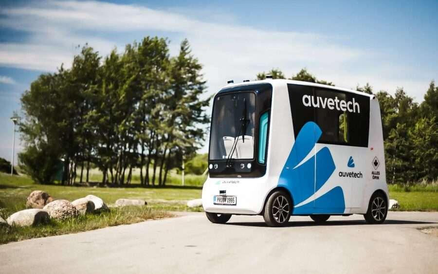 В Естонії запустили перший автономний шатл на водні
