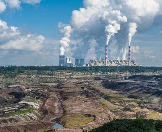 Життя 5% світових електростанцій відповідають за 73% загальних викидів вуглецю екологія енергетика у світі