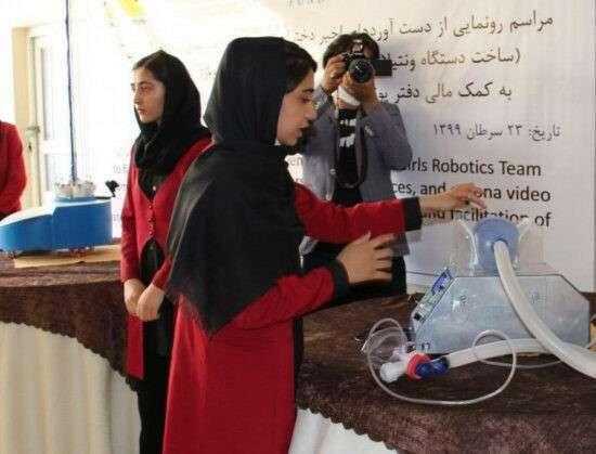 Життя Афганська жіноча команда з робототехніки намагається залишити підконтрольну талібам країну афганістан війна канада роботи