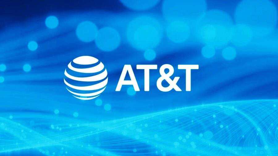 Чоловік, що розлочив майже 2 млн телефонів AT&T, отримав 12 років в'язниці