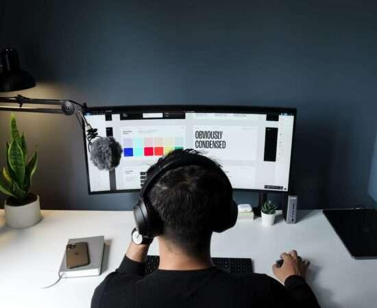Життя Сім місць, де дизайнери-початківці можуть заробити перші гроші Дизайн зроблено в Україні стаття