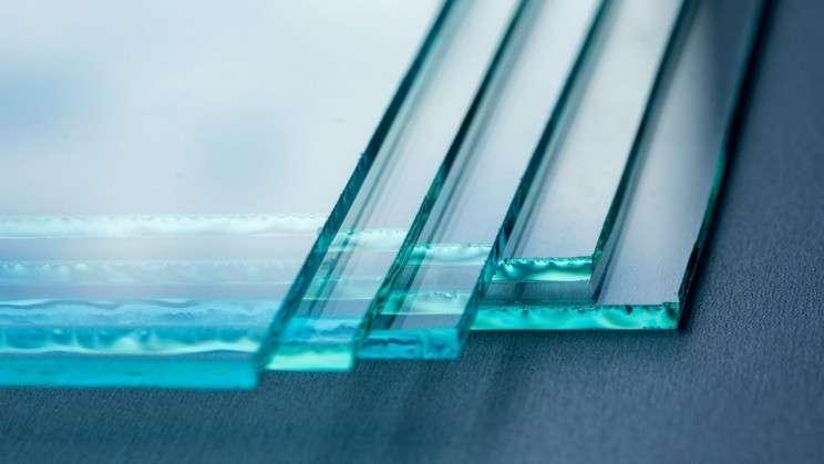 Науковці винайшли гнучке скло, яке неможливо розбити